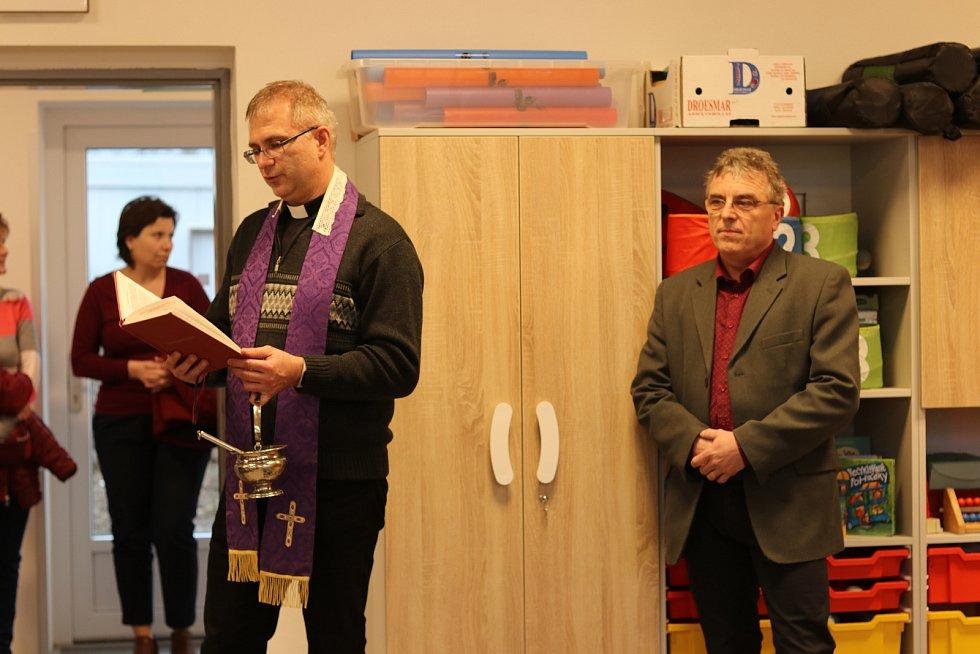 Den otevřených dveří ve škole v Rovensku.