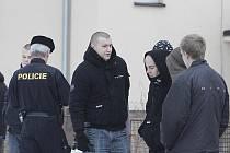 Policie kontroluje olomoucké fanoušky před zimákem v Šumperku