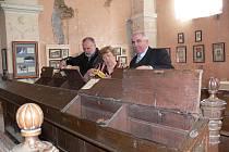 Jako neoficiální muzeum slouží loštická synagoga už dnes, státní dotace ve výši 1,5 milionu korun umožní dokončit úpravy zchátralého prostoru