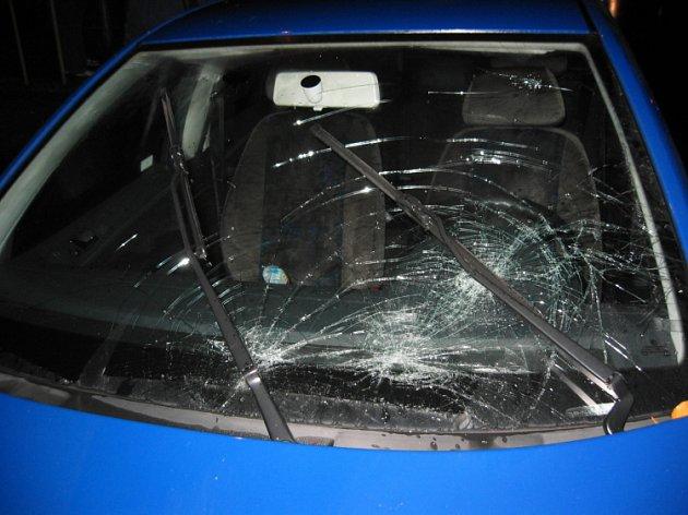 Vážná dopravní nehoda se stala ve čtvrtek krátce po osmnácté hodině v Temenické ulici v Šumperku.