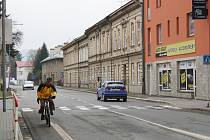 Cyklostezka v Žerotínově ulici, která povede až do Dolních Studének, se začne v létě.