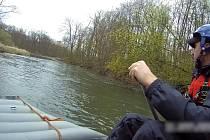 Pátrání po pohřešovaném na toku řeky - ilustrační foto.