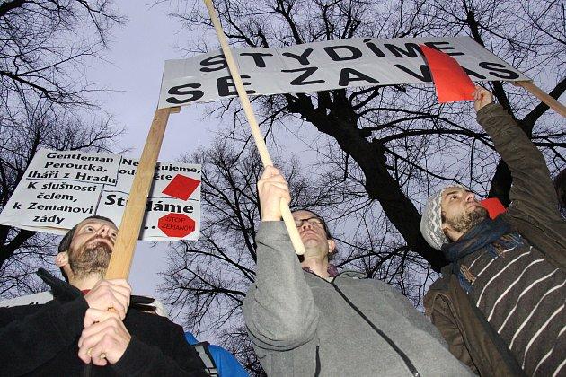 Protest při návštěvě prezidenta Miloše Zemana v Zábřehu.