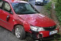 Mezi Travnou a Javorníkem havarovalo Subaru Impreza
