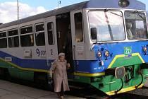 Cestování po Železnici Desná bude tento týden komplikovanější