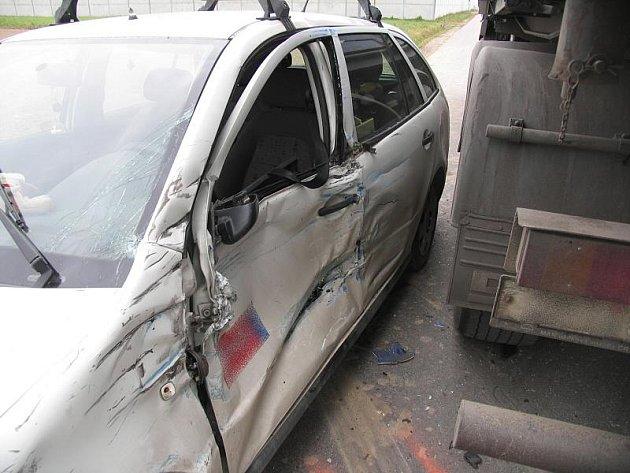 Dopravní nehoda mezi Postřelmovem a Rovenskem