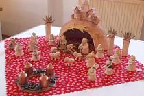 Keramické betlémy ze sbírek muzeí v Šumperku, Zábřehu a Mohelnici i od autorů z celého regionu bude od čtvrtku 14. listopadu vystavovat Památník Adolfa Kašpara v Lošticích.