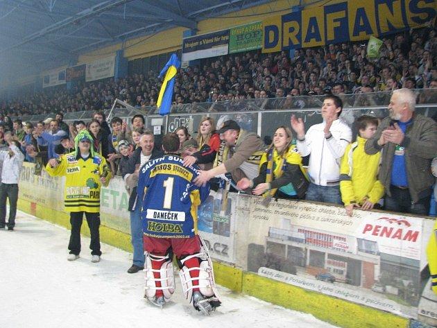 Šumperský zimní stadion během hokejových zápasů