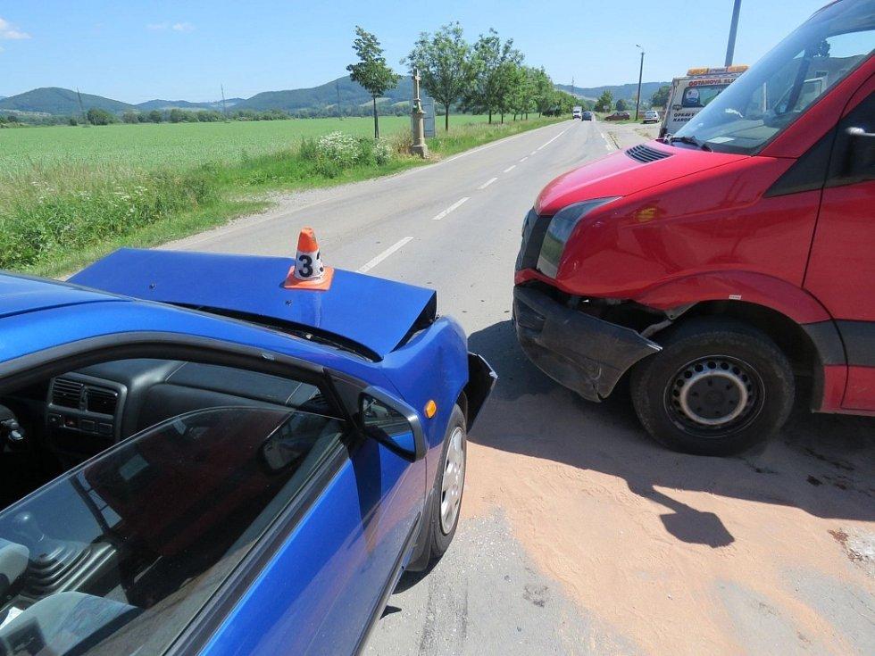 Nehoda v Leštinské ulici v Zábřehu