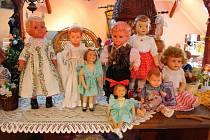 Jarmila Fichtnerová z Bludova sbírá dětské kočárky a panenky.