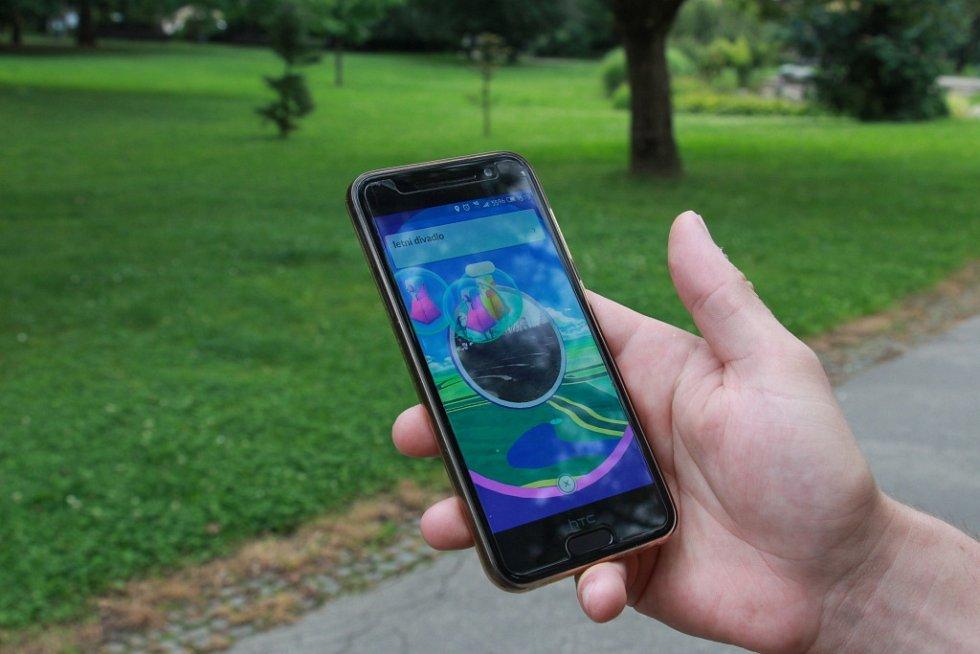 Hra Pokémon Go, která je hitem léta, ovládla i Šumperk.