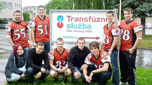 Hráči amerického fotbalu z týmu Dietos rozhodli přispět k záchraně lidských životů společným darováním krve.