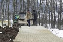 Nové minigolfové hřišt buduje obec Loučná nad Desnou právě díky dotaci z programu Leader.