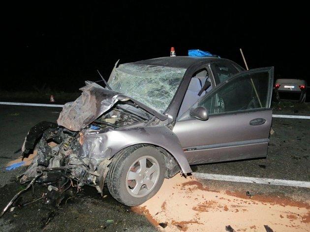 Bouračka dvou řidiček mezi Libivou a Vlachovým