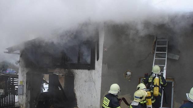 Losinská jednotka letos v březnu likvidovala větší požár rodinného domu v Bukovicích