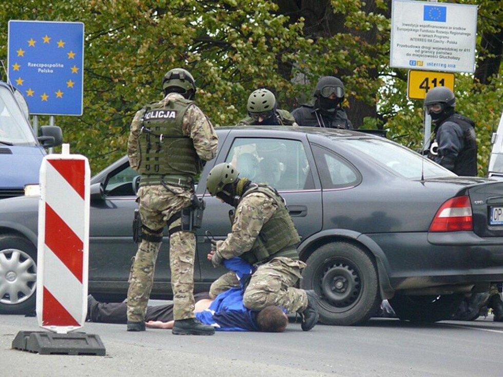 Společené cvičení českých a polských policistů se konalo ve Zlatých Horách