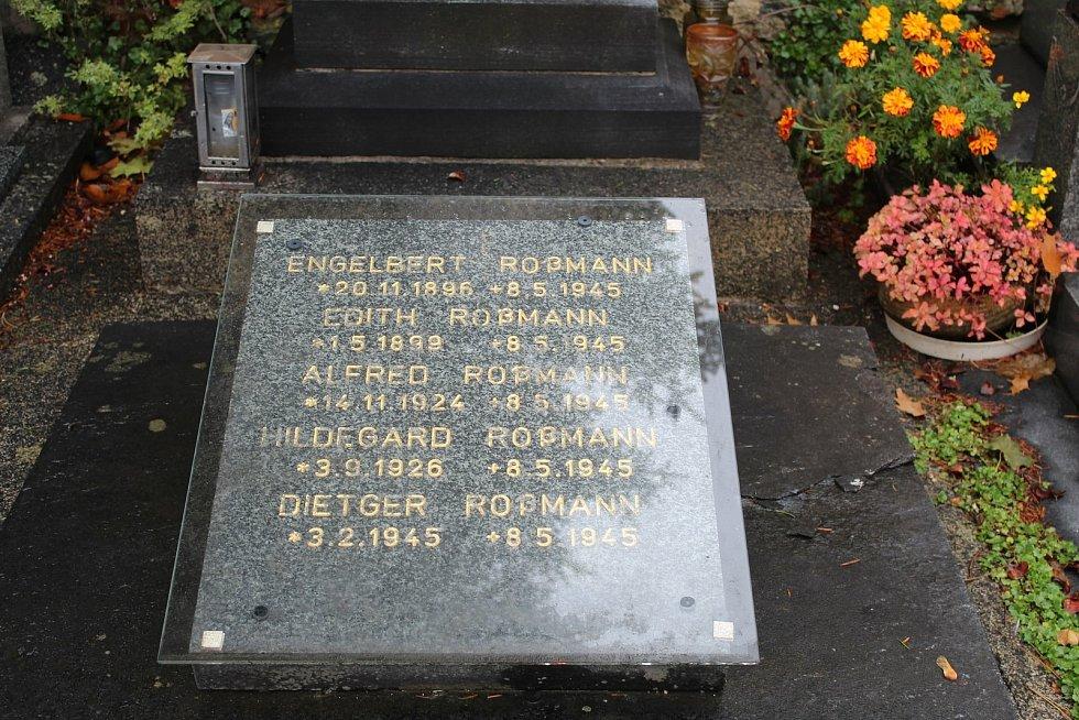 V den osvobození Šumperka Rudou armádou spáchalo několik německých rodin společnou sebevraždu.