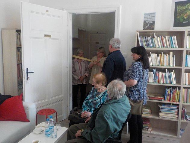 Zrekonstruované prostory knihovny v Loučné nad Desnou.
