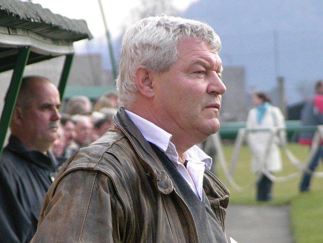 Trenér Mikulovic Antonín Mura.