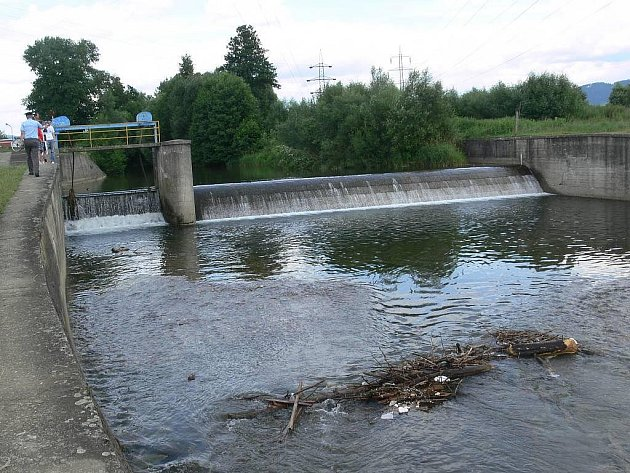 Jez na řece Desné u Šumperka, kde se 6. července 2009 utopili dva lidé