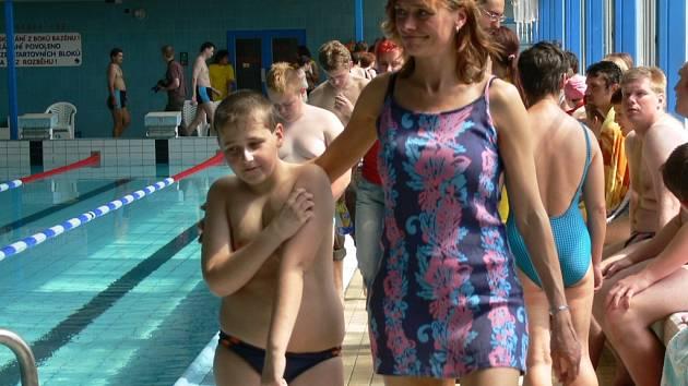 Krytý bazén ještě hostil speciální olympiádu mentálně postižených, nyní je zavřený.