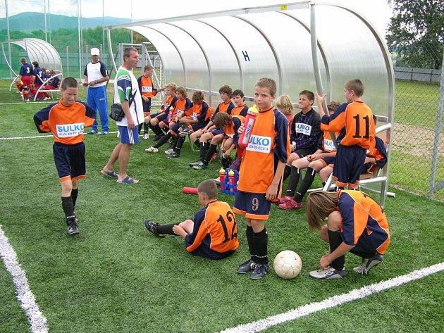 Hráči Zábřehu o přestávce utkání na mezinárodním turnaji v Šumperku.