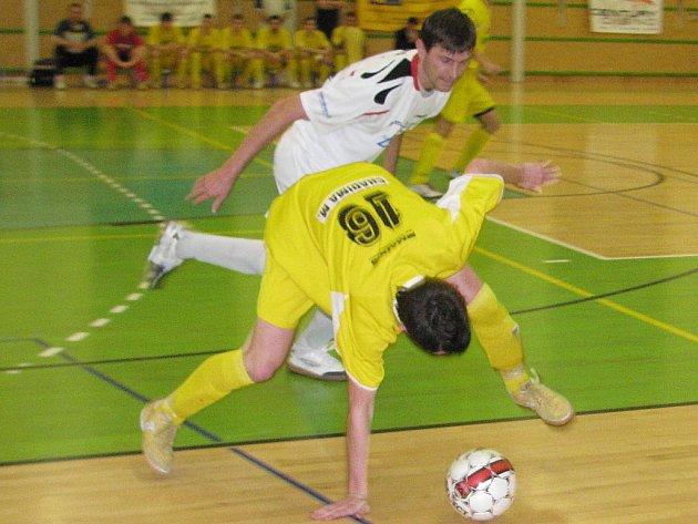 Futsalisté Delty v bílém.