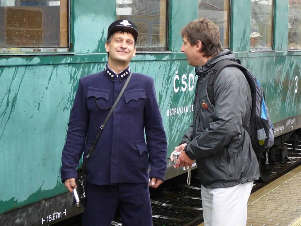 Při oslavách 140 let Moravské pohraniční dráhy projel trasu ze Šternberku do Dolní Lipky parní vlak.