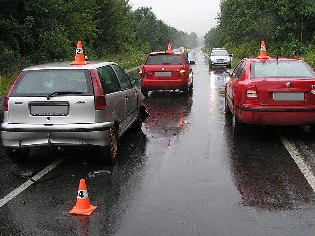 Nehoda tří vozů u Lipové - lázní na Jesenicku