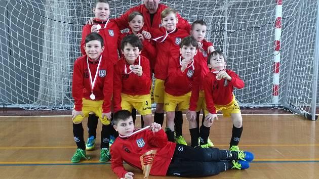 Šumperská fotbalová mládež vybojovala na turnaji v Heřmanově Měštci třetí místo.