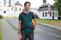 Lukáš Pilíšek se chystá objet republiku po obvodu na kole.