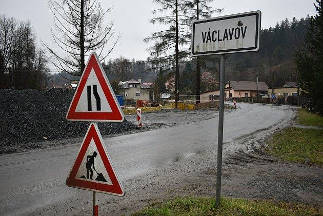 Výstavba kanalizace ve Václavově.