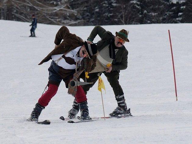Spojit lyžování s porcí zábavy navíc bude možné v sobotu v areálu Oáza v Loučné nad Desnou, kde se na sjezdovce bude konat tradiční Oaza Ski Lift Cup