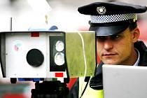 Jeseničtí policisté dostanou ještě letos dva nové radary, které jim pomohou odhalit řidiče překračující maximální  povolenou rychlost.