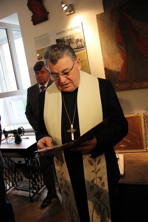 Kardinál Dominik Duka v Bílé Vodě.