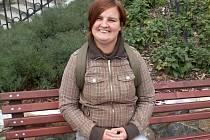 Jeseničanku Lenku Hajzerovou zná kvůli projevům její nemoci možná více lidí, než místního starostu.