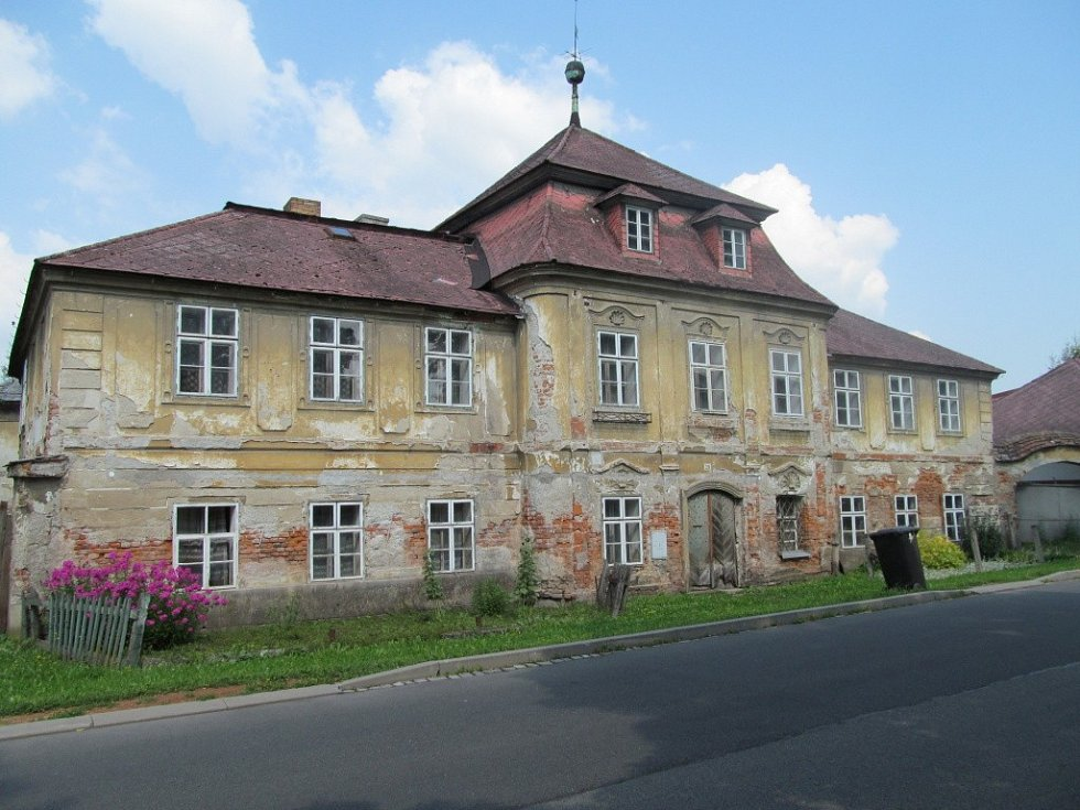 Budova bývalé manufaktury.