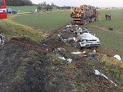 Nepozornost a nerespektování dopravní značky dej přednost v jízdě stály za nehodou, která se stala ve středu 30. listopadu v Jeseníku