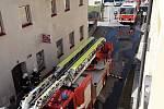 Požár bytu v Jeseníku si vyžádal evakuaci osob a zvířat