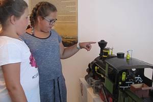 Děti příměstského tábora v Písařově si Velkou dopravní hernu v zábřežském muzeu opravdu užily.