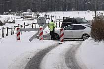 Uzavírka silnice mezi Hanušovicemi a Raškovem. 16. února 2021