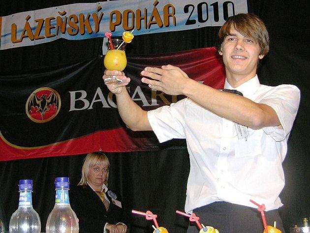 Litevci se zapojují do života hostitelské Hotelové školy v Jeseníku, kde jsou na tříměsíční stáži. Dva ze šestičlenné skupinky se zúčastnili i barmanské soutěže