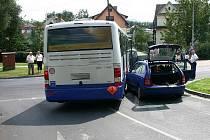 Linkový autobus havaroval 5. srpna v Lipovské ulici v Jeseníku