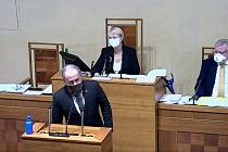 Senátor Marek Ošťádal při projevu v hanáčtině