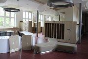 Nová knihovna v Šumperku měsíc před otevřením