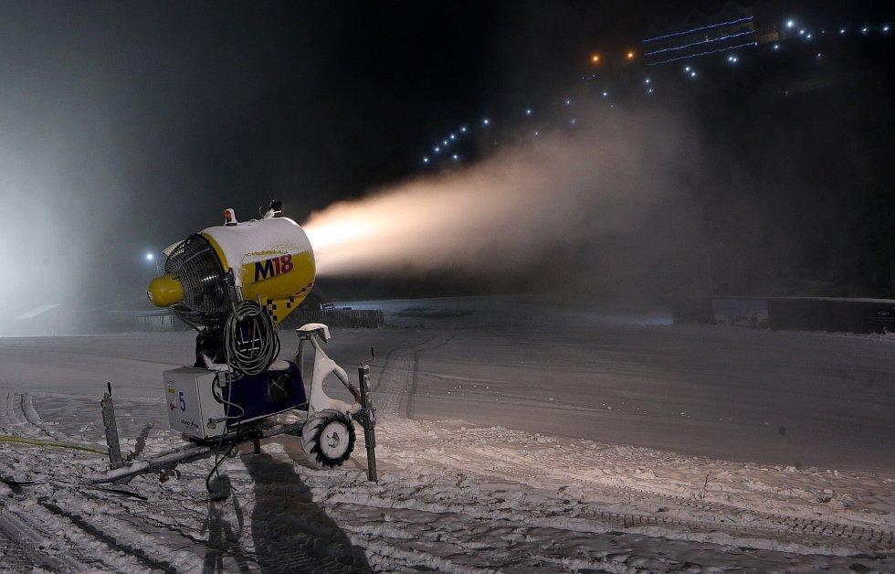Sněžná dělostřelba ve Ski areálu Proskil v Branné na Jesenicku