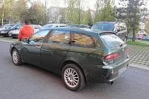 Nárazem skončila jízda devatenáctiletého mladíka ze Šumperku. Ve čtvrtek 17. dubna se před devatenáctou hodinou otáčel se svým vozem Alfa Romeo na parkovišti v ulici Bratrušovská v Šumperku.