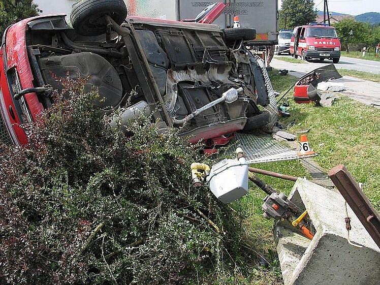 Snímky ze smrtelné nehody ve Velkých Losinách