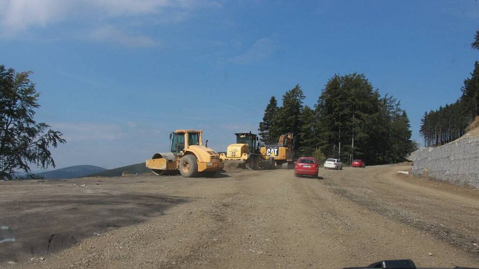 Rekonstrukce silnice na jižní straně Červenohorského sedla, srpen 2016