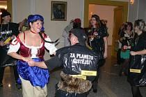 Šumperské divadlo patřilo v pátek fantazii, konal se zde tradiční maškarní bál